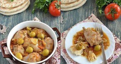 Я очень люблю эту курицу.....оливки придают ей такой замечательный аромат и вкус....соус просто ложкой можно есть, а лучше хлебушек в него помакать))))).....Попробуйте и вы - уверен, вам понравится!!!