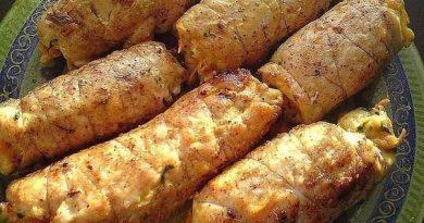 """Куриные рулетики """"Боярские"""" покорят ВСЕХ гостей своим нежным вкусом. Блюдо с изюминкой! Возьмите рецепт на заметку!"""
