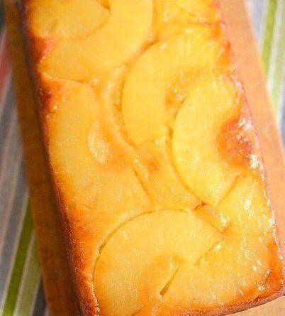 Пирог с консервированным ананасом.