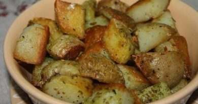 Картошка запеченная в чесночном масле