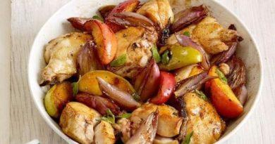 Куриное филе запеченное с яблоками