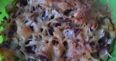 Картошка с грибами под сырной корочкой