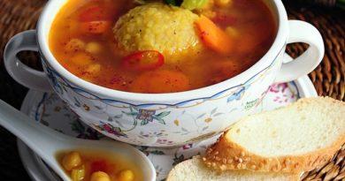 Куббе (kubbeh) - суп с клёцками из булгура с мясной начинкой