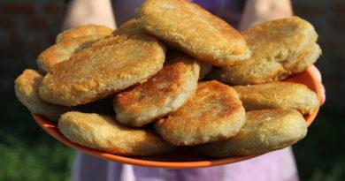 Нагисаер - сочные пирожки из картофельного теста