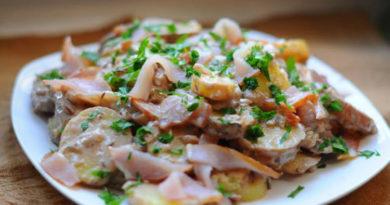 Немецкий картофельный салат с ветчиной
