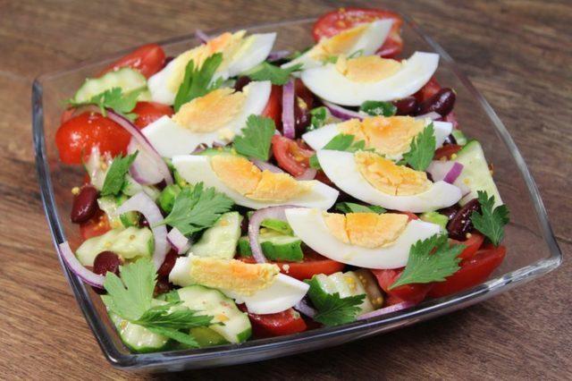 Салат с аппетитной заправкой