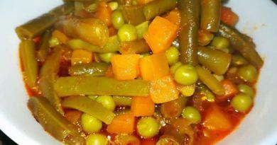 Тушенная с овощами стручковая фасоль