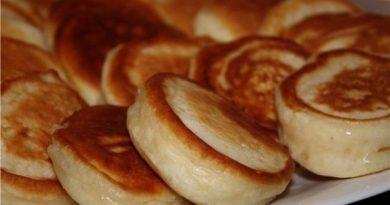 Пышные оладушки на кипяченом кефире - cамые вкусные и пышные...