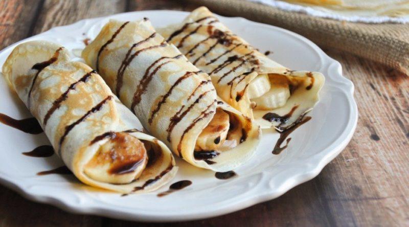 Рулетики из блинчиков с творожно–банановым кремом — вкуснее вы не пробовали!