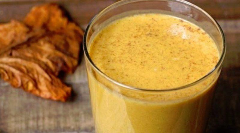Тыквенный смузи с яблоком и бананом: готовьте из сезонных овощей!