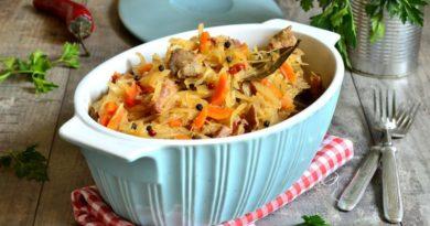 Бигос (тушеная капуста с мясом)