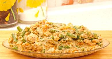 Зелёная стручковая фасоль в сливочном соусе с курицей и сыром