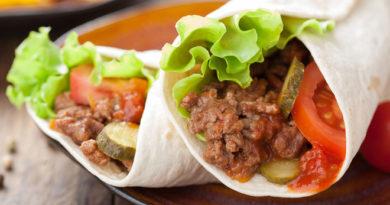 Тортильяс c говядиной и овощной сальсой