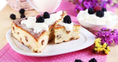 Ягодный торт с творожным суфле