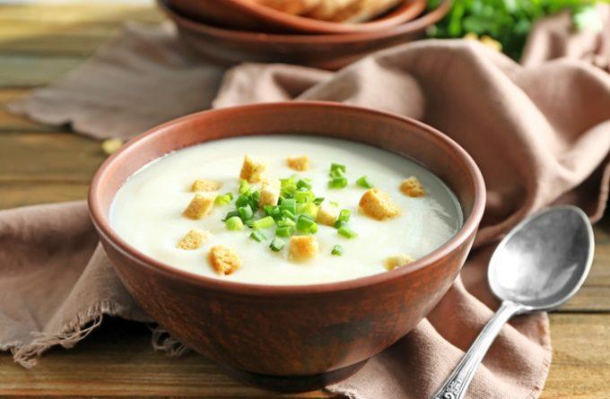 Картoфельный суп со сливкaми и чесноком
