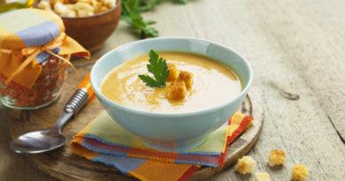 Суп-пюре с хурмой и страчателлой