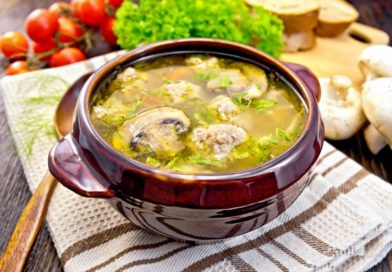 Вариант супа с шампиньонами и свининой