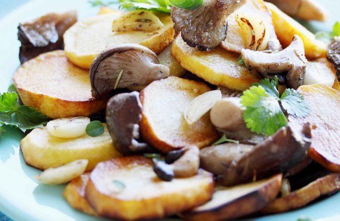 Вешенки, запеченные с картофелем и сыром