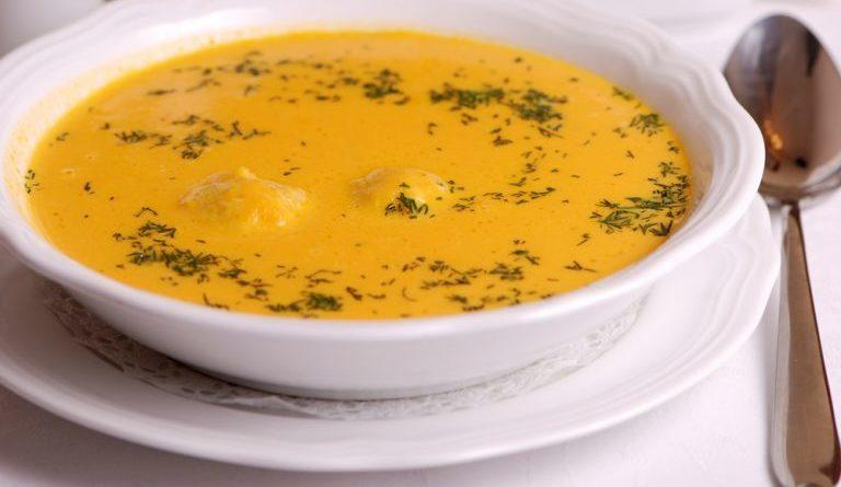 Крем-суп с фрикадельками и сыром