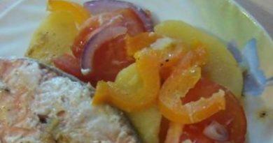Лосось в цитрусовом маринаде с овощами