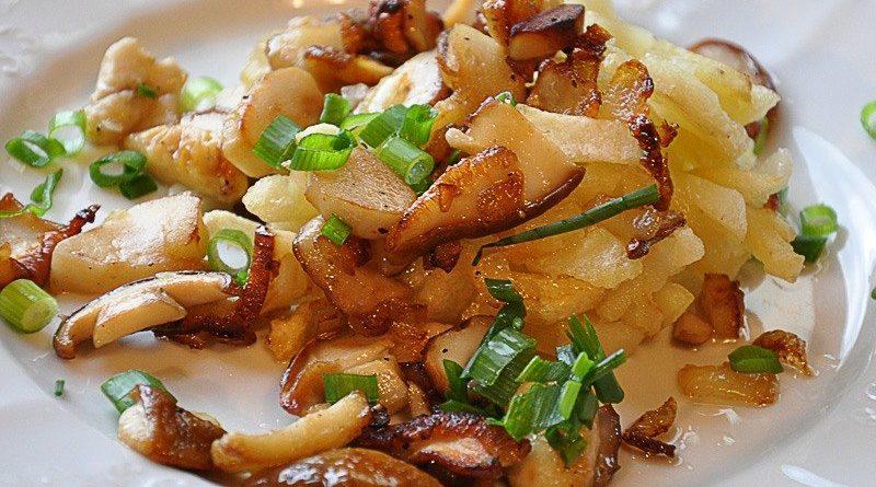 Картофель с опятами