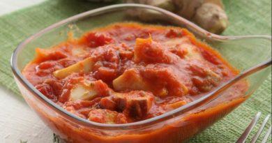Белые грибы в пряном томатном соусе