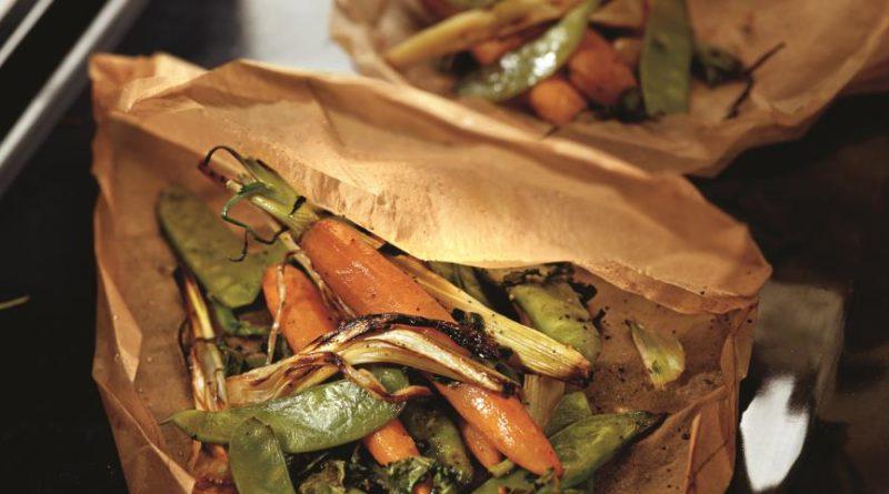 Овощи, запеченные в пергаменте