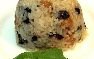 Рисовый пудинг с курагой и грецкими орехами