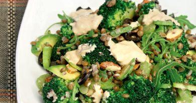 Салат из брокколи с чечевицей