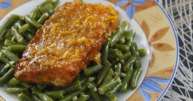Семга с зеленой фасолью и апельсиновым соусом