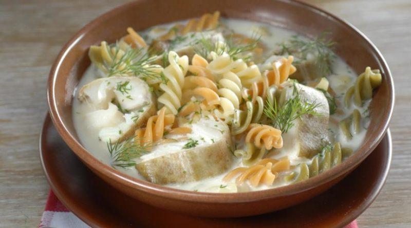 Суп с пастой и копченой треской