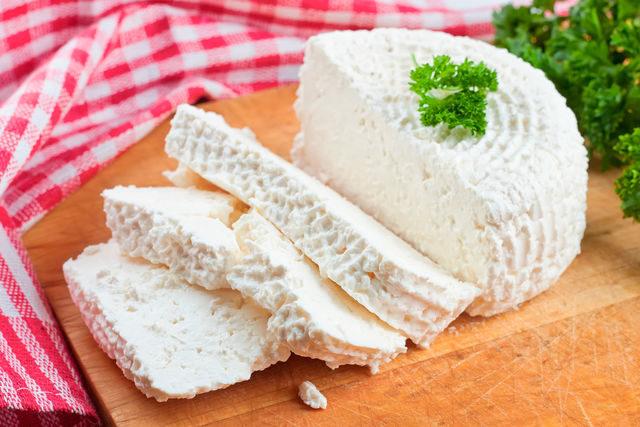 Простой, полезный и вкусный домашний сыр