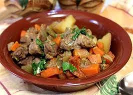 Мясо в казане с овощами