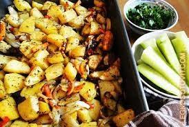 Печеный картофель с болгарским перцем и луком