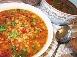 Постный густой суп с чечевицей, булгуром, томатами и красным сладким перцем