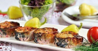 Самый простой рецепт приготовления скумбрии. Рыба готовится просто, быстро, но получается очень вкусной. Советую приготовить запеченную скумбрию