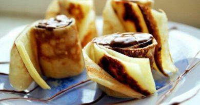 Рулетики из блинчиков с творожно-банановым кремом