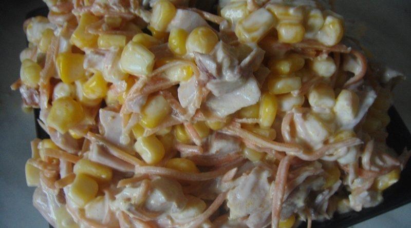 Прекрасный салат из копченой курицы