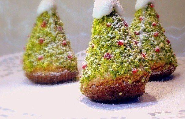 """Бисквитное пирожное """"Новогодняя ёлка"""""""