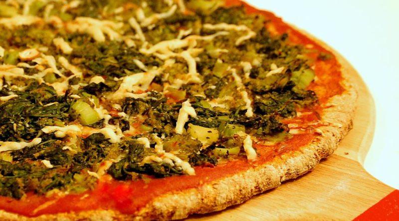 Пицца из гречки (на сковороде)