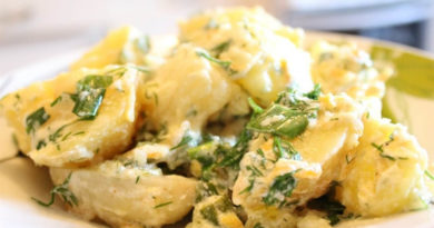 Запечённая картошка со сметанно-чесночным соусом