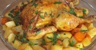 Курица с картошкой, запеченная в духовке в рукаве