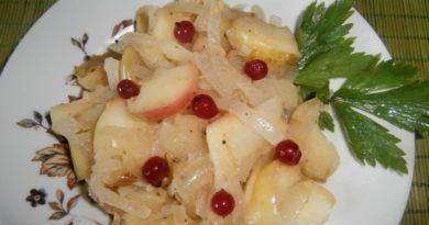 Гарнир из яблок и брусники (к мясу)