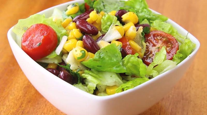 Салат из фасоли с кукурузой и томатами