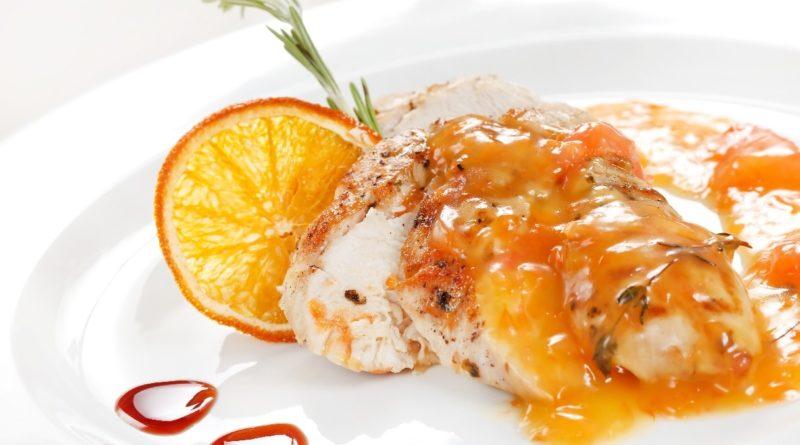 Острая куриная грудка в апельсиновом соусе