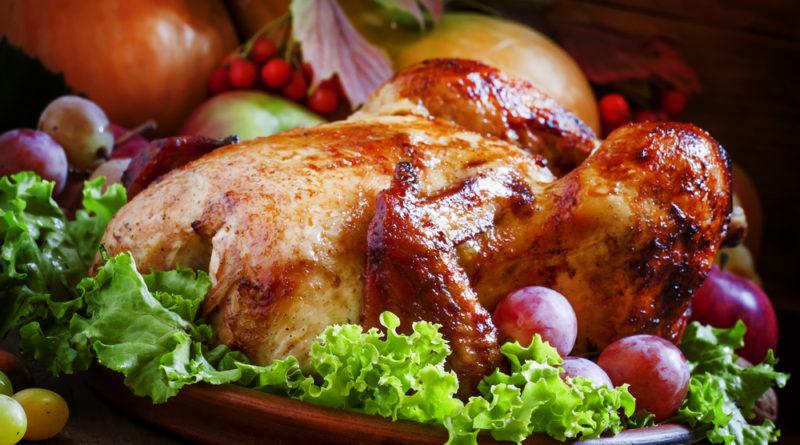 Запеченые куриные бедра с виноградом