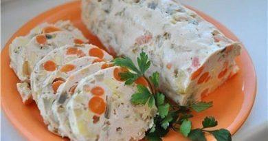 Куриная колбаска с овощами диетическая, на пару