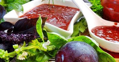 Овощной острый соус со сливами