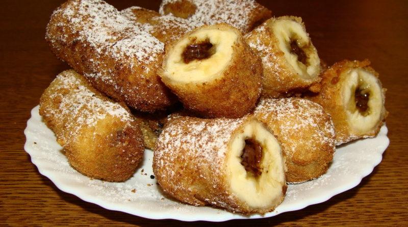 Бананы с шоколадной начинкой в хрустящей панировке