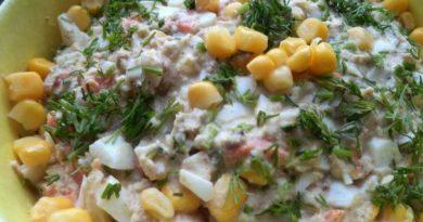 Салат из рыбных консервов с консервированной кукурузой
